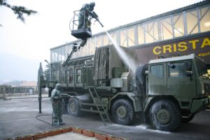Для обработки вооружения и военной техники применяются машины типа DDMAS или TEP-90, для частей ВВС применяется многофункциональный аэротранспортабельный тактический комплекс TMAV
